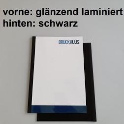 Broschüre Fastback-Bindung - Deckblatt glänzend laminiert (erstes Blatt von Dokument), Rückkarton Schwarz